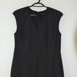Ann Taylor Black V-Neck Sleeveless Sheath Dress